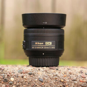 NIKON 35mm f1.8 G DX lens like new in box