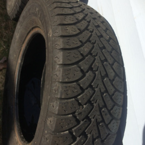 225/65/16 Nordc Winter  1 Tire  80 tread left