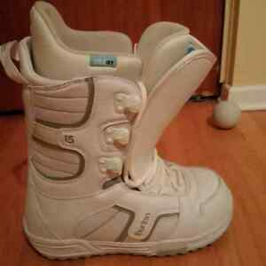 BURTON Women's Snowboard Boots size 9 REDUCED! Kitchener / Waterloo Kitchener Area image 1