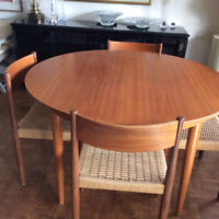 Skovmand and Anderson teak table with 4 chAirs