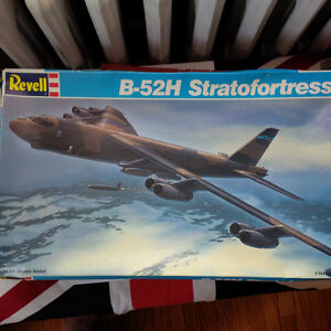 Revell - B-52H Stratofortress aircraft model kit 1/144 scale