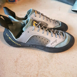 La sportiva rock climbing ladies 6.5 used lightly indoors