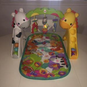 Tapis d'éveil Fisher Price 3 en 1