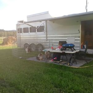 2010 Cimmaron 4 Horse GN 4 horse with 16ft LQ and 10 ft Slide