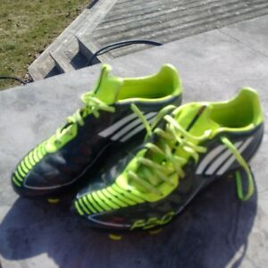 Adidas Traxion Outdoor Soccer Cleats - Size 9
