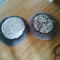 2 Like new Pet Beds