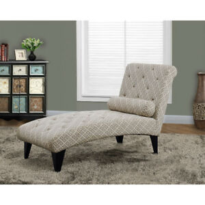 Contemporary Fabric Tufted Chaise Lounge with Accent Pillow *new