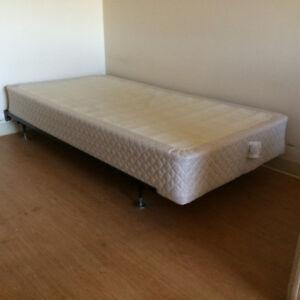 Sommier simple avec base de lit en métal