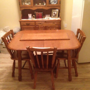 Solid maple dining room set $150