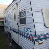 1990 Prowler Tandem wheels trailer, Air, Furnace. Oven, stove,