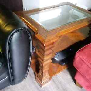 Coffee and one end table SOLID WOOD 70.00$ Kingston Kingston Area image 2