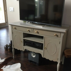 TV STAND / SIDE TABLE