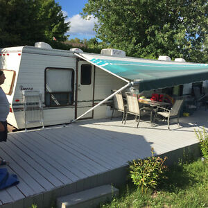 33 ft - 1990 Sierra Trailer for sale -- PICK UP