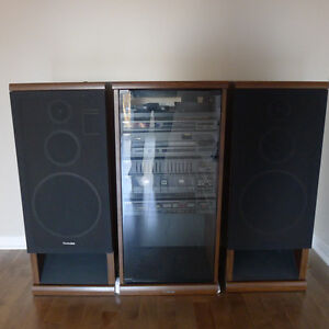 Technics Audio Electronic Component System SD-A650 with speakers