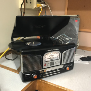 Record Player (Great condition)