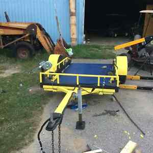 Collapsible trailer