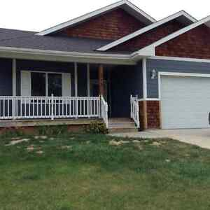 Beautiful Executive bungalow for rent in Vulcan,AB