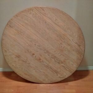 Beautiful Round Antique Solid Red Oak Dinner Table, Needs Restor