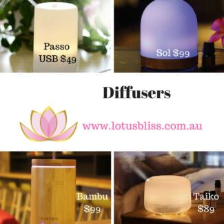 Great range of essential oil accessories, box, bottles, diffusers