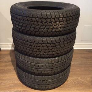 Winter tires , pneus d'hiver 205/70R14