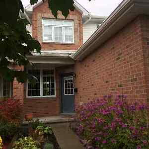 Townhome in Rockcliffe Mews for Rent