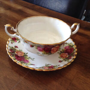 Royal Albert - Old Country Roses Cream Soup w Saucer