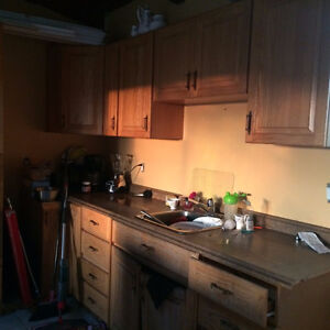 Kitchen cabinets buy sell items tickets or tech in for Kitchen cabinets kamloops