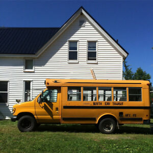 2001 Ford E-350 Mini Bus