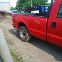 2004 F250-350-450-550 Ford 8ft box and tail gate and tail lights