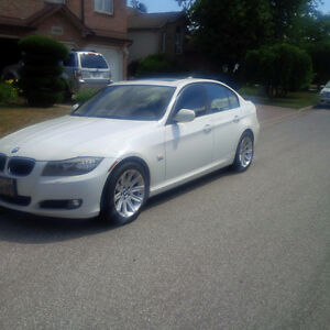 2011 BMW 328I XDrive, 4 doors, AWD, Navigation, Leather, Sunroof