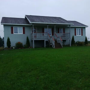 ANTIGONISH COUNTRY HOME!