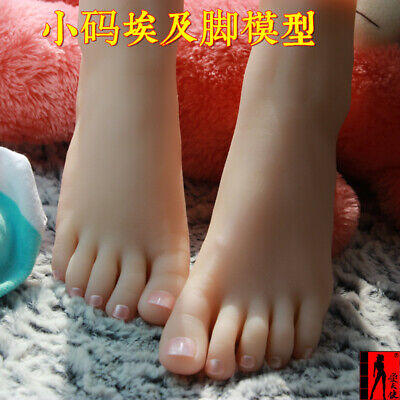Top Quality New Young Girl Lifelike Female Fake Feet Model For Sock Show Z82