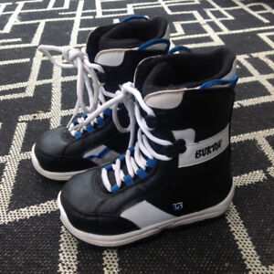 Burton Kids Snowboard Boots - Size 5
