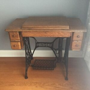 Antique Singer Sewing Machine Cabinet