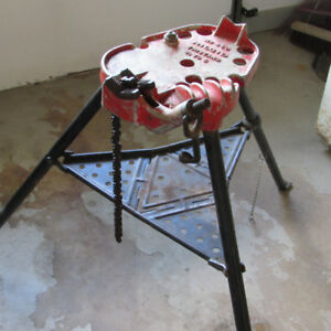 FOR SALE:  #450 RIGID PIPE STAND