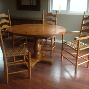Solid pine dining table with four chairs Kingston Kingston Area image 1