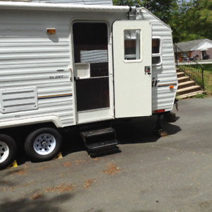 2003 Bonair 21 FT travel trailer