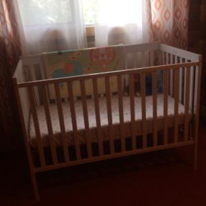 Baby crib - white