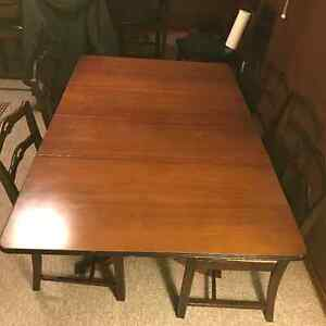 Beautiful Wooden Dining table with four chairs London Ontario image 2