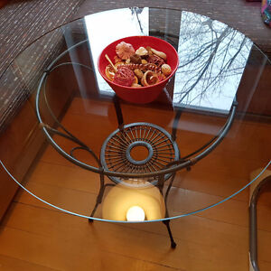 Designer Round Glass Dining / Coffee Table & Decorative Base