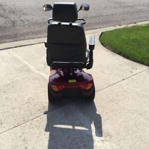 Pegasus INVACARE hardly used, just like new London Ontario image 5