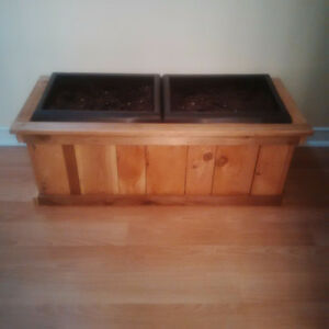 Brand New Planter Box & 2 Inserts Included