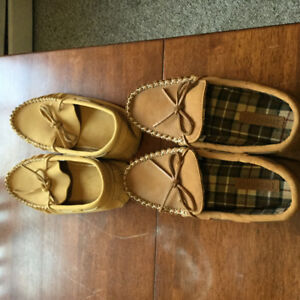 Two almost brand new mocassin shoes from  Manitoba.........