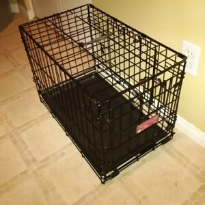 Small Dog Crate with Tray, excellent