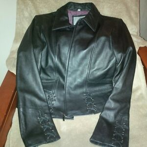 Total of 7 Ladies Leather Coats / Jackets