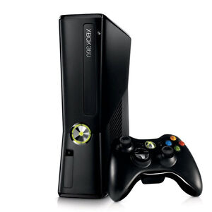 Xbox 360 with 4 controllers, 20 games and Kinect