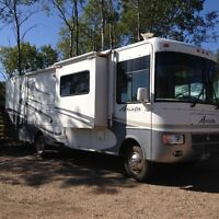 31' Arista Holiday Rambler 310 Triple Slide (Safetied)