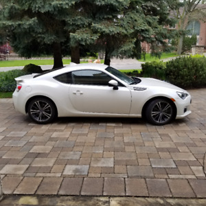 2015 Subaru BRZ Sport Tech - Very Low Km