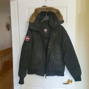 Canada Goose Chiliwack • Mens Medium ( 6/10 )