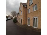 2 bedroom flat in Eastwick Road, Taunton, TA2